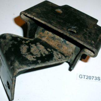 GS2073 Ford-Cargo.teile.onl 0813 Kühler Halter rechts 2